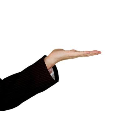 Recht haben und Recht bekommen, sind zwei Paar Stiefel – das müssen alle Direktversicherungsgeschädigteschmerzlich erfahren. Wer gegen das Unrecht der Doppelverbeitragung seiner Direktversicherung klagt, wird von den Richtern mit Mutwillgebühren geblockt.
