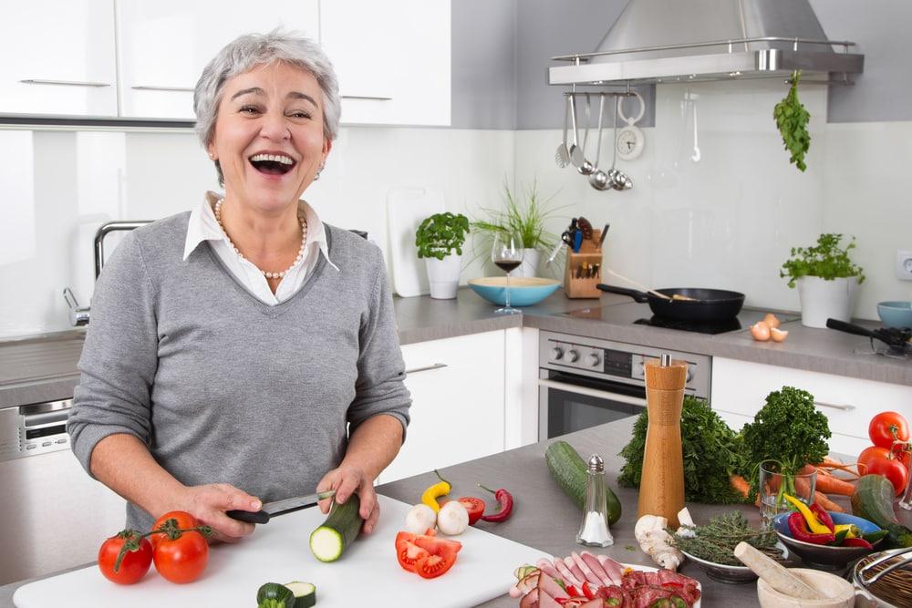 Wie eine Küche gemütlich und funktional wird Foto: Jeanette Dietl shutterstock