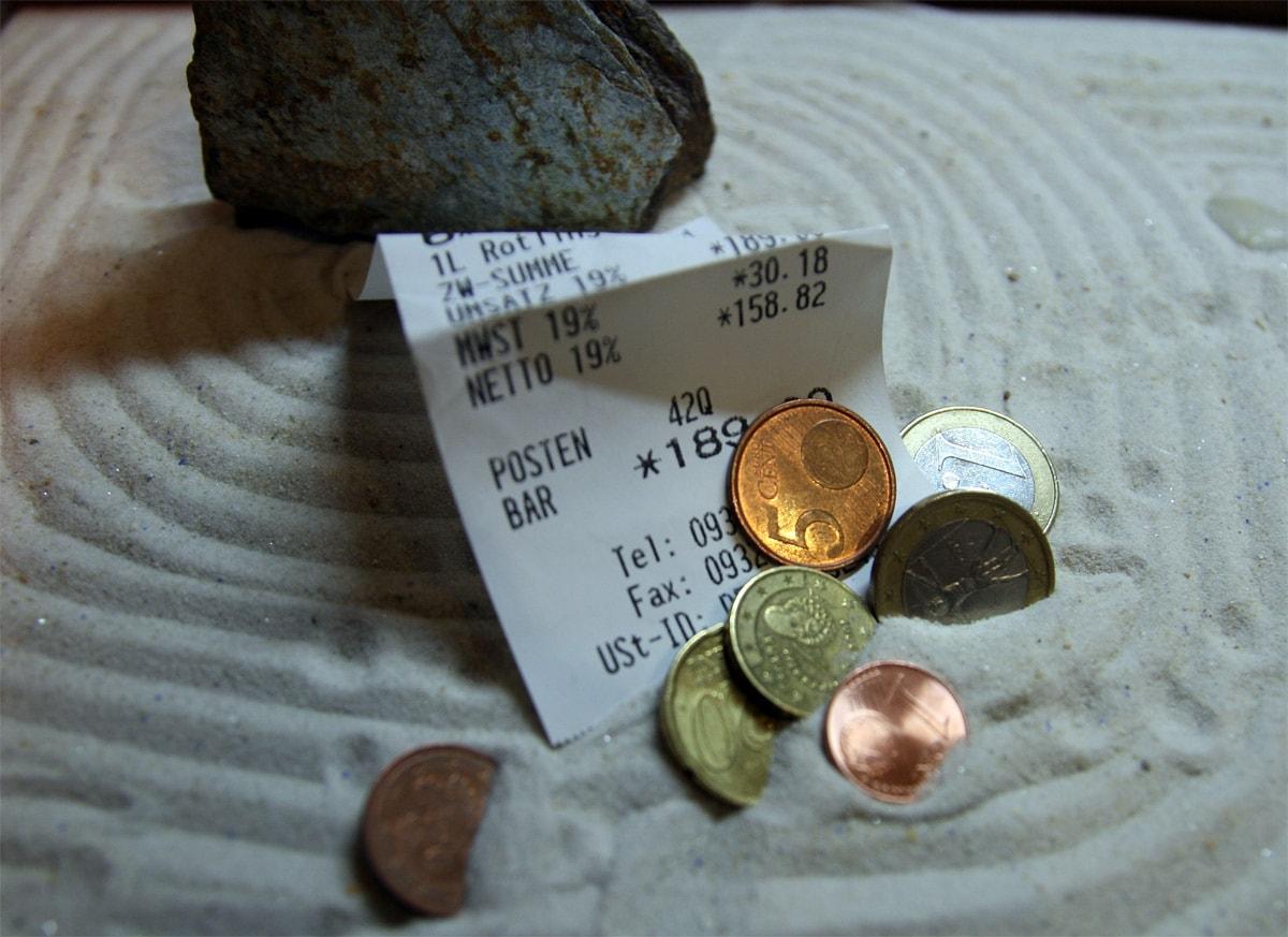 Rentner müssen genau rechnen, ob ihre Rente reicht