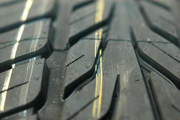 Wie steht es um das Reifenprofil? Bild: ©istock.com/weible1980