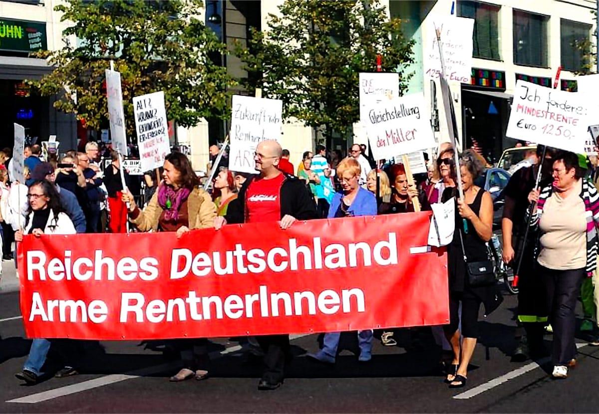 Demo Reiches Deutschland arme Rentner