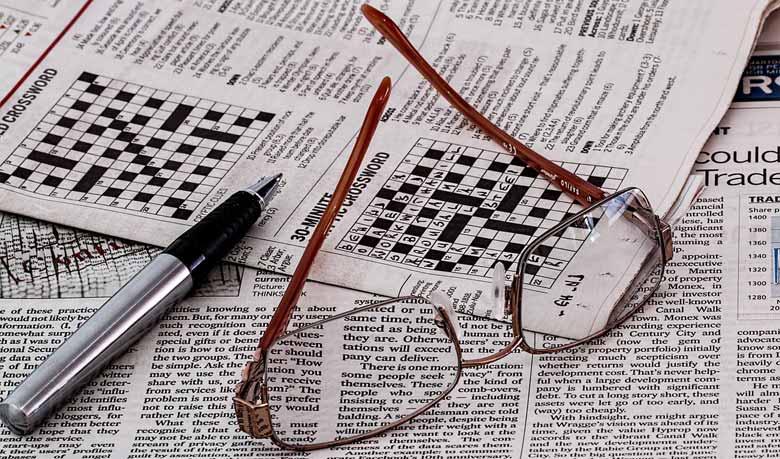 Wie Spiele das Gedächtnis trainieren und Spaß machen. . Fürs Buchstaben streichen braucht jeder nur eine alte Zeitung oder ein Magazin. Wir nehmen uns eine Seite vor uns streichen dann mit einem Stift einen bestimmten Buchstaben auf der gesamten Seite oder in einem Absatz durch.